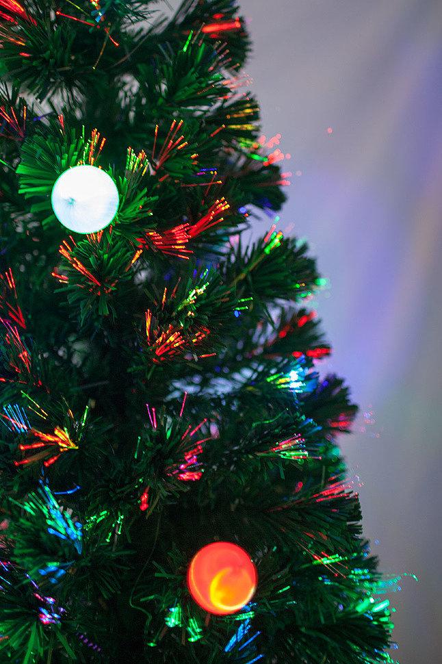Искусственные световые елки